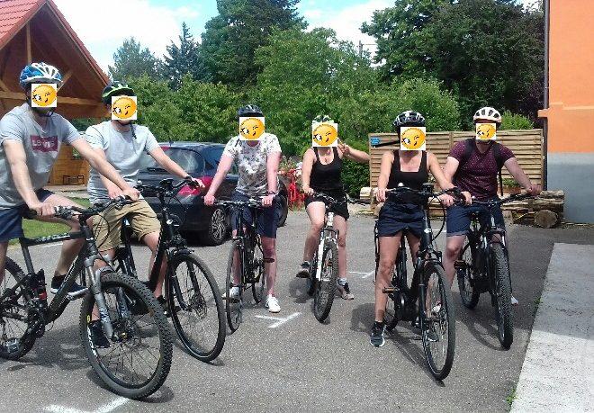 groupe vélo avec smiley